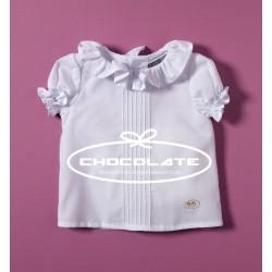 Camisa blanca con cuello de volante de Cocote